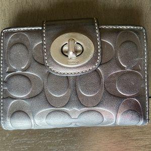 Coach bi fold wallet EUC
